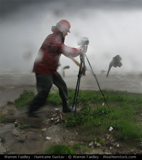 extreme storm photographer warren faidley